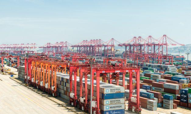 Congestion at Shanghai's Yangshan Port